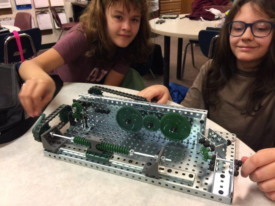 Robotics students explore mechanisms