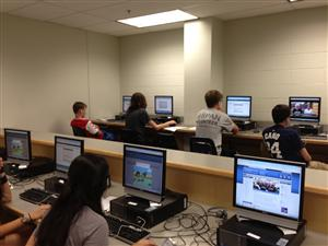 étudiants sur les ordinateurs