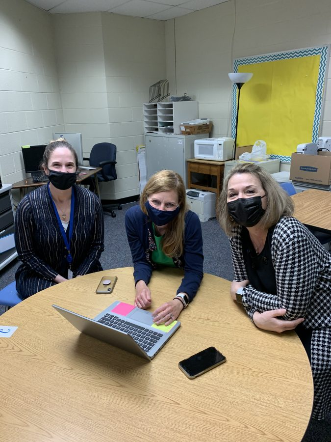 3 teachers collaborating